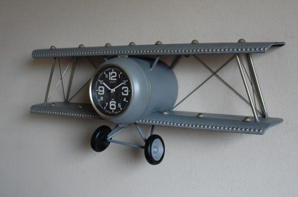 Wanduhr Flugzeug Regal Doppeldecker Silber Metall