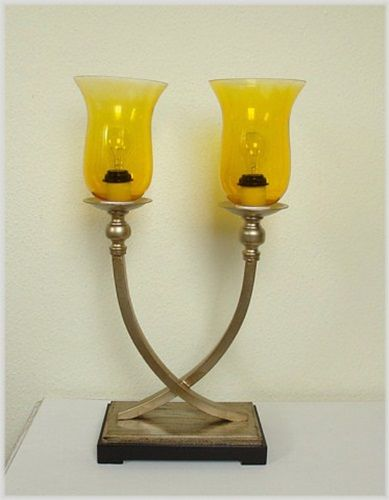 Designer Tischleuchte im Art Deco Antiksilber Gelb