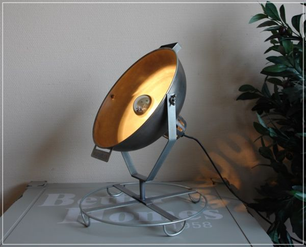Impressionen Leuchte Tischleuchte Strahler Retro Metall silbergrau