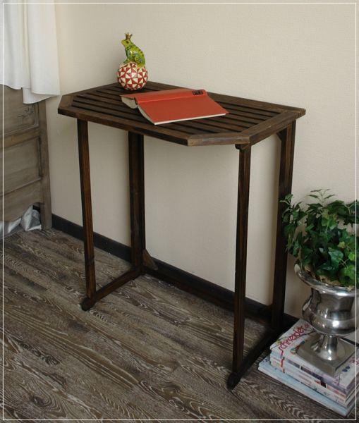 Ein Tausendsassa ist dieser Tisch SINJA Beistelltisch aus Holz