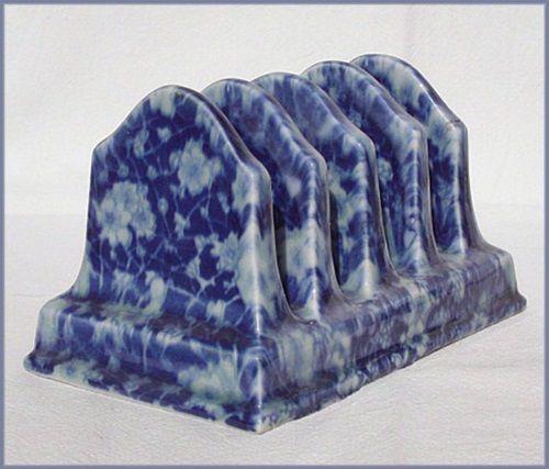 Toasthalter im Staffordshire Stil Blau Keramik florales Dekor